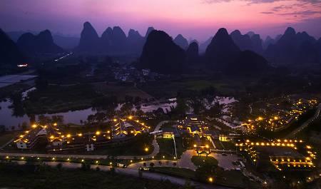 长春到长沙、韶山、张家界、宝峰湖、凤凰古城、桂林漓江、阳朔双飞8日